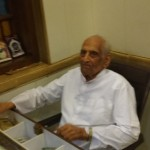Owner of Thaker Bhojnalay ~94 year Old Maganbhai Purohit yet manages the Cash Counter !